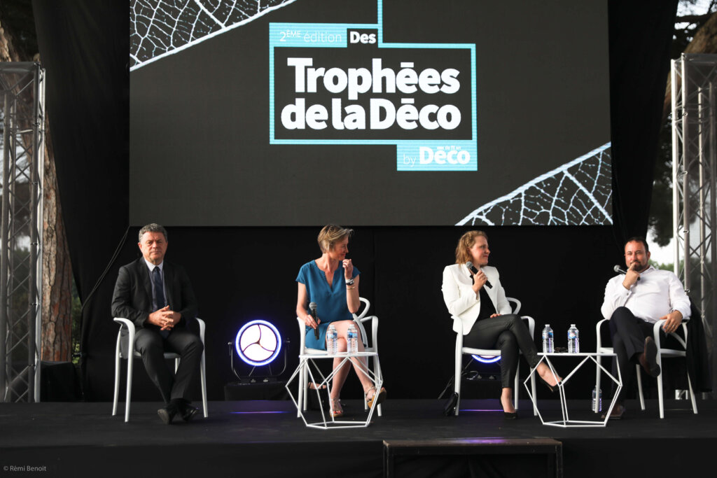 table ronde trophée de la Deco